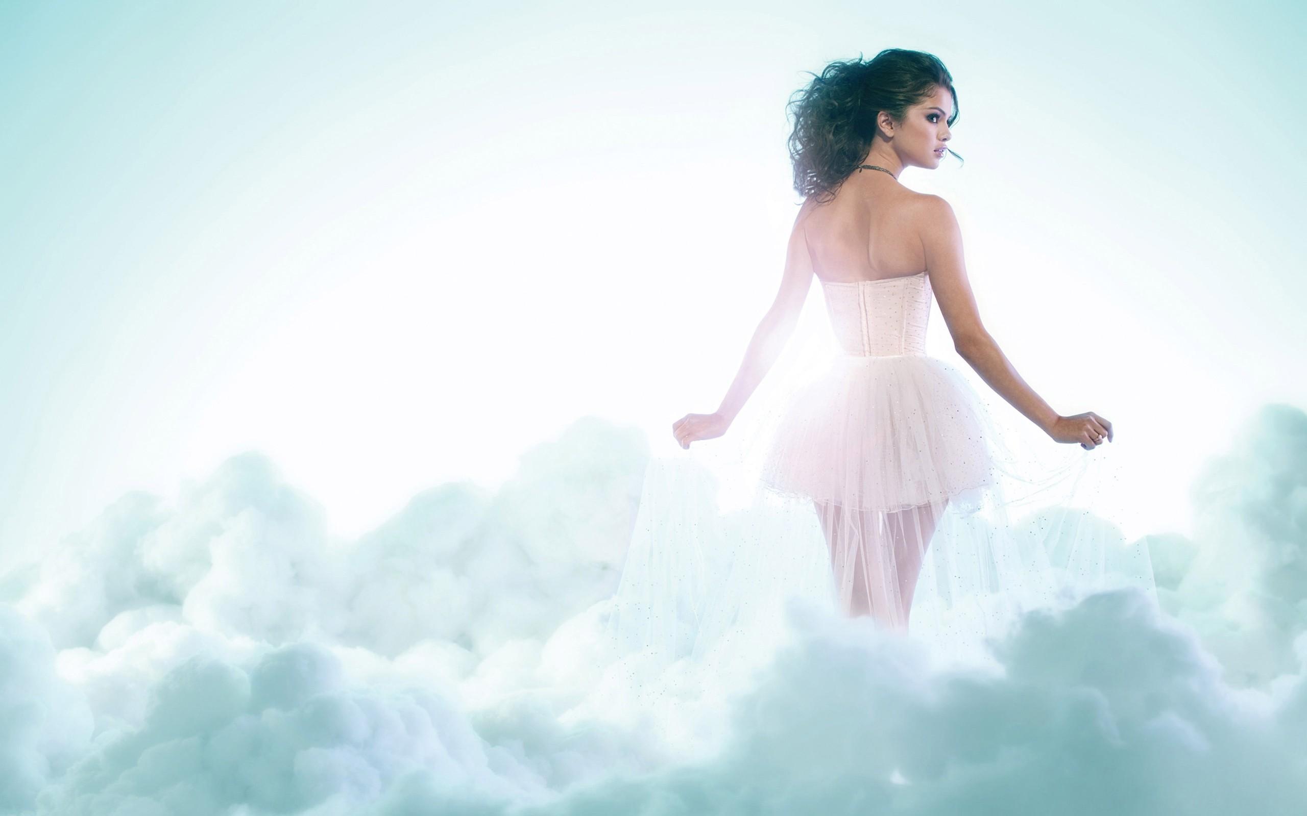 Selena Gomez Wallpaper Background 35180 2560x1600