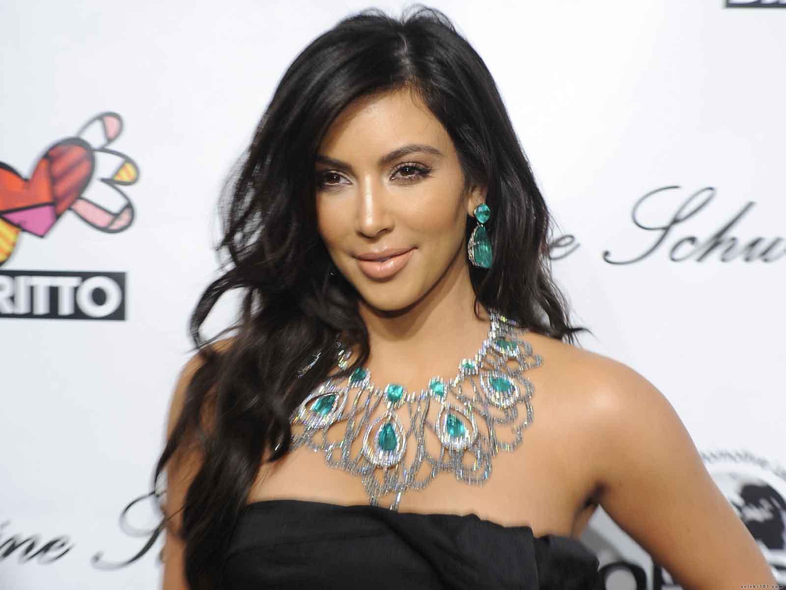 Kim Kardashian Wallpaper 3099 Hd Wallpapers in Celebrities F 1600x1200