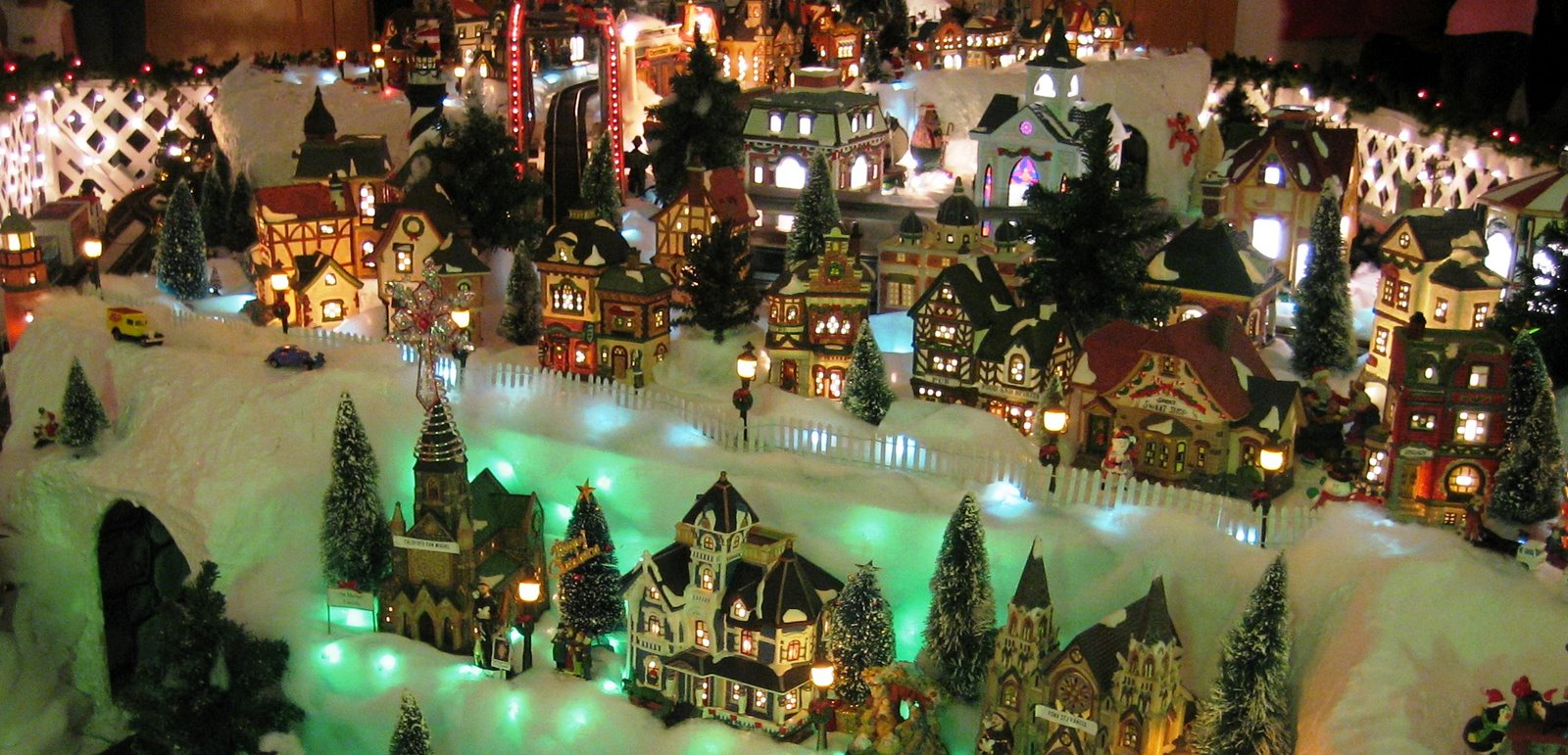 Christmas Village HD Wallpapers Pulse 1600x771