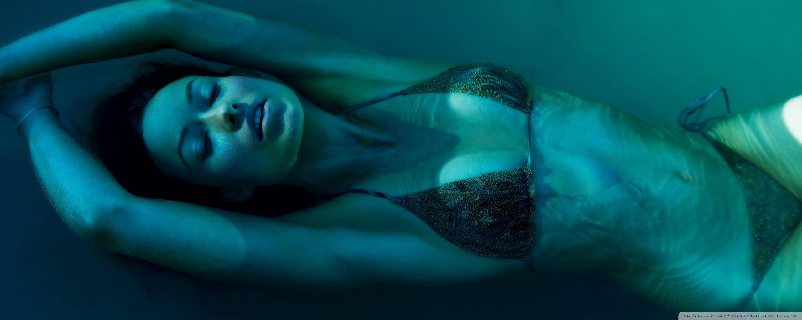 Olivia Wilde Underwater 4K HD Desktop Wallpaper for 4K Ultra HD 2560x1024