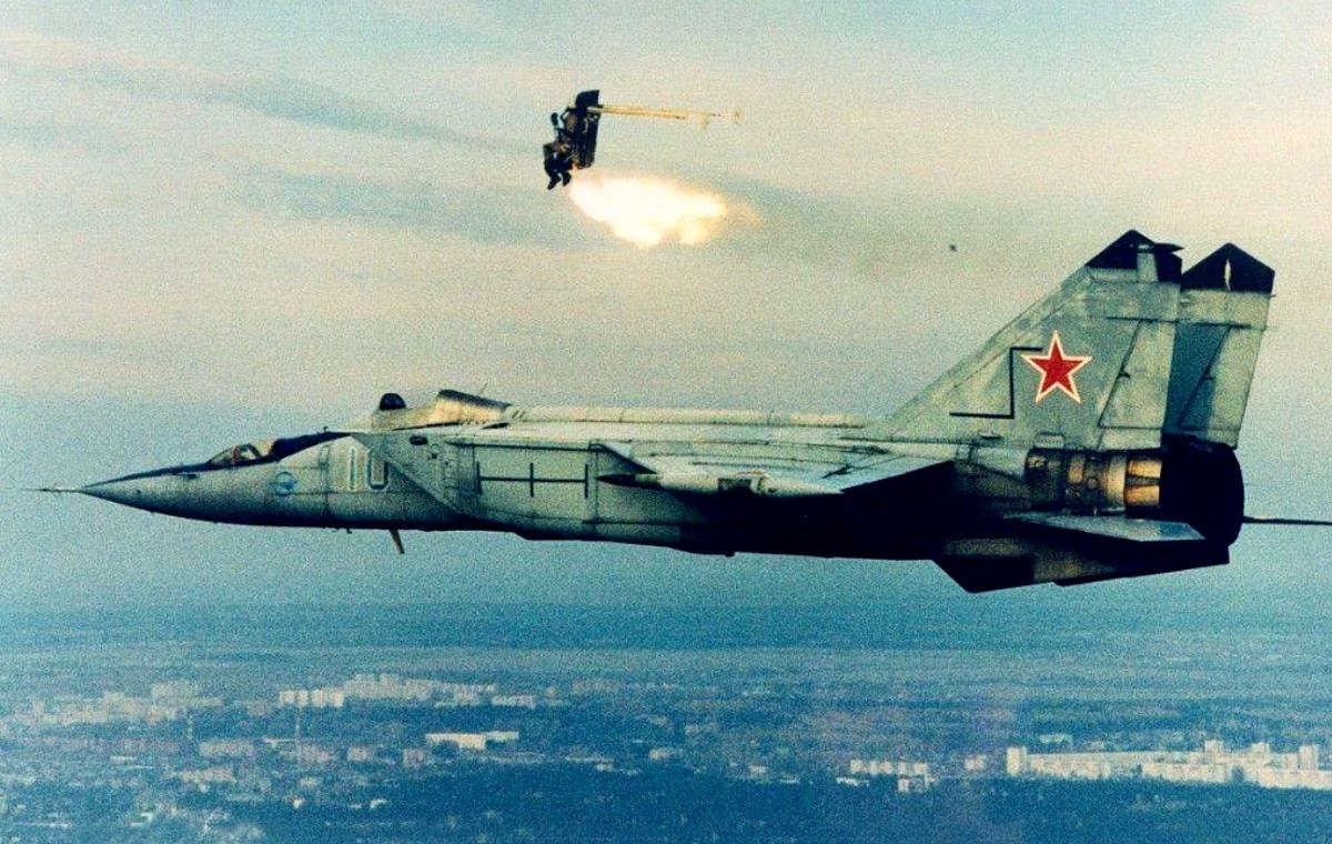 AirSkyBuster MiG 25 Foxbat Wallpaper 3 1200x760