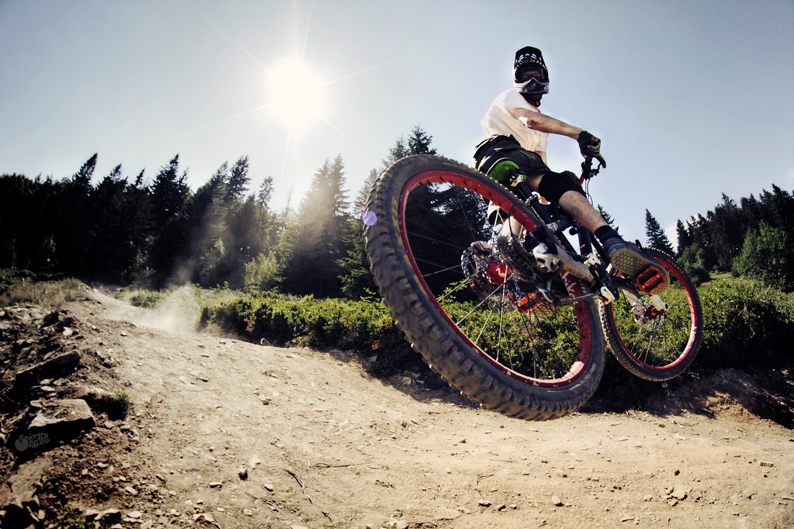 Bike Bicycle Jump Stop Action Sunlight race racing extreme wallpaper 1600x1067