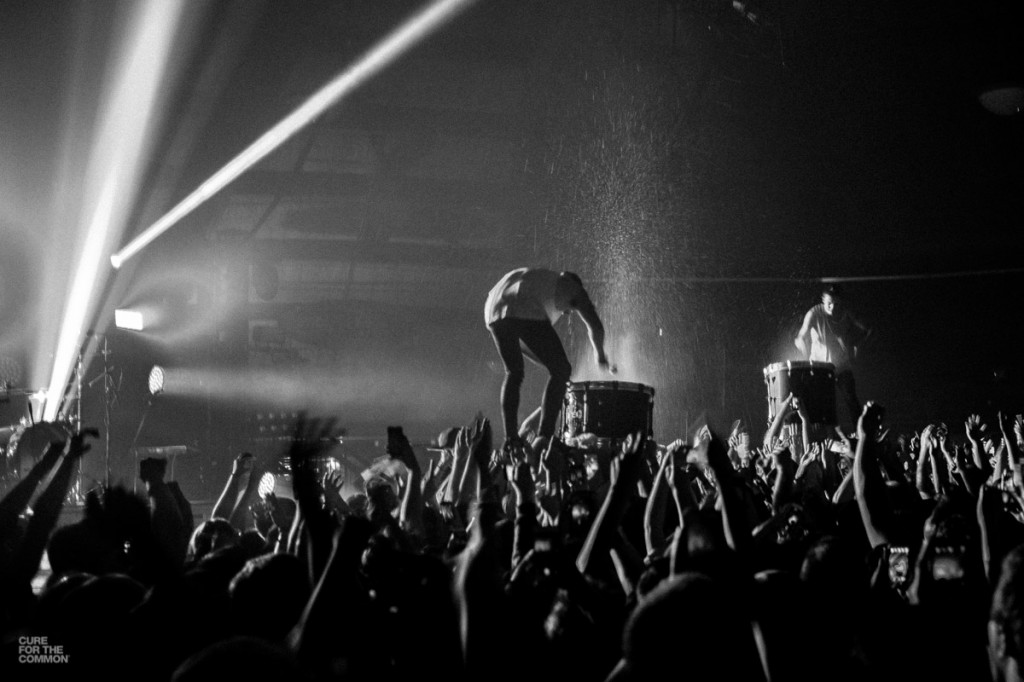 few snaps from a Twenty One Pilots show at the Oakdale Theater Two 1024x682