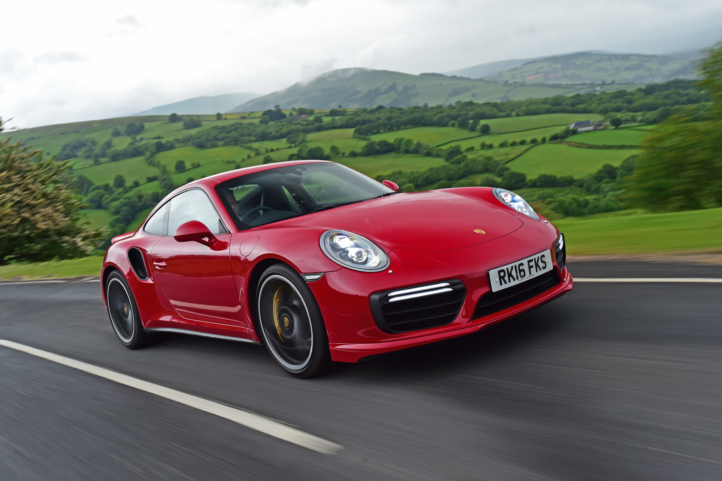 Porsche 911 Turbo Wallpapers Pictures Images 2400x1600