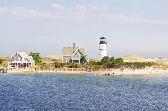 Sandy Neck Light Barnstable Massachusetts 640x424