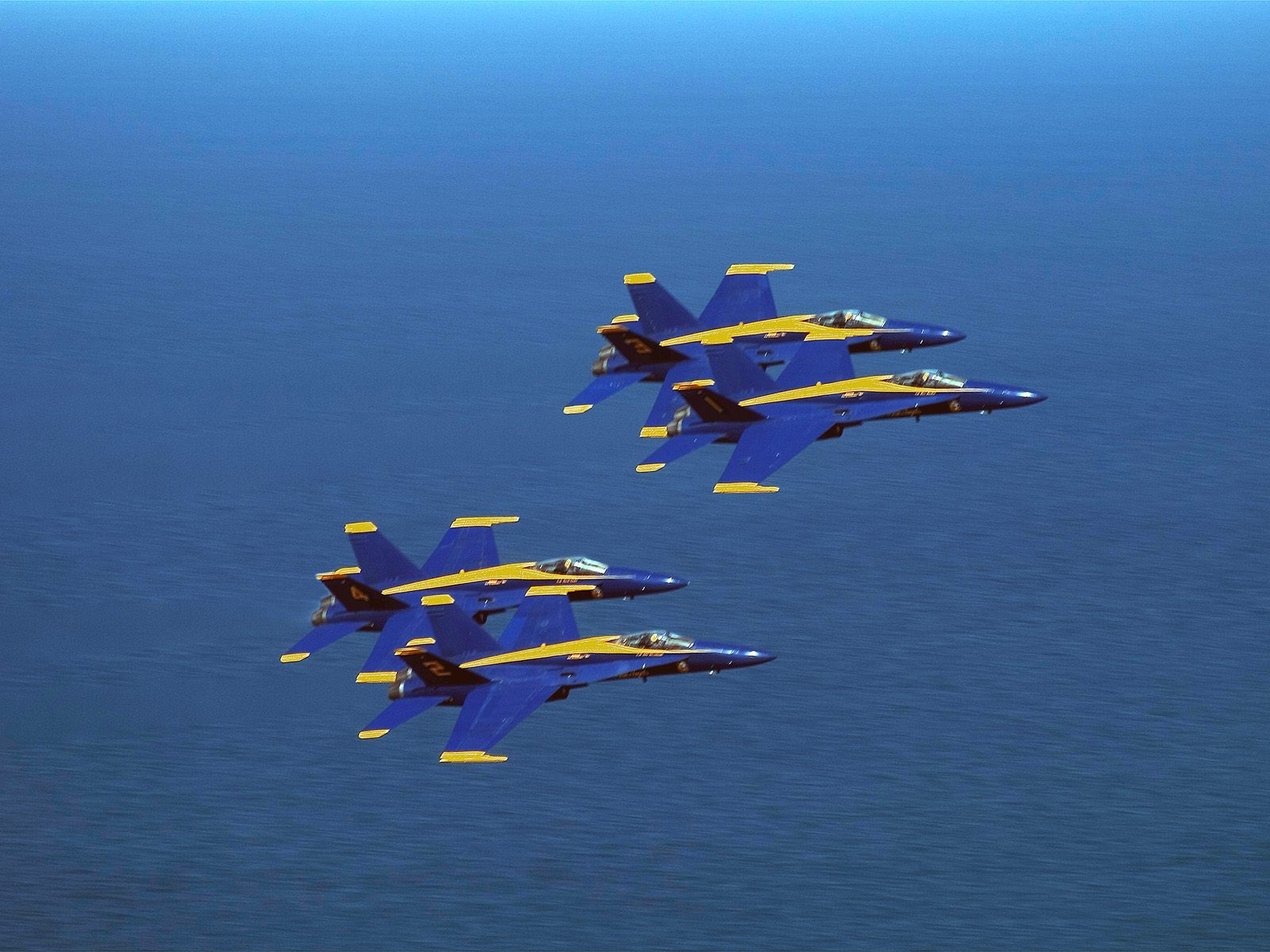 Blue Angels Wallpaper Desktop Blue angels in formation hd 1600x1200