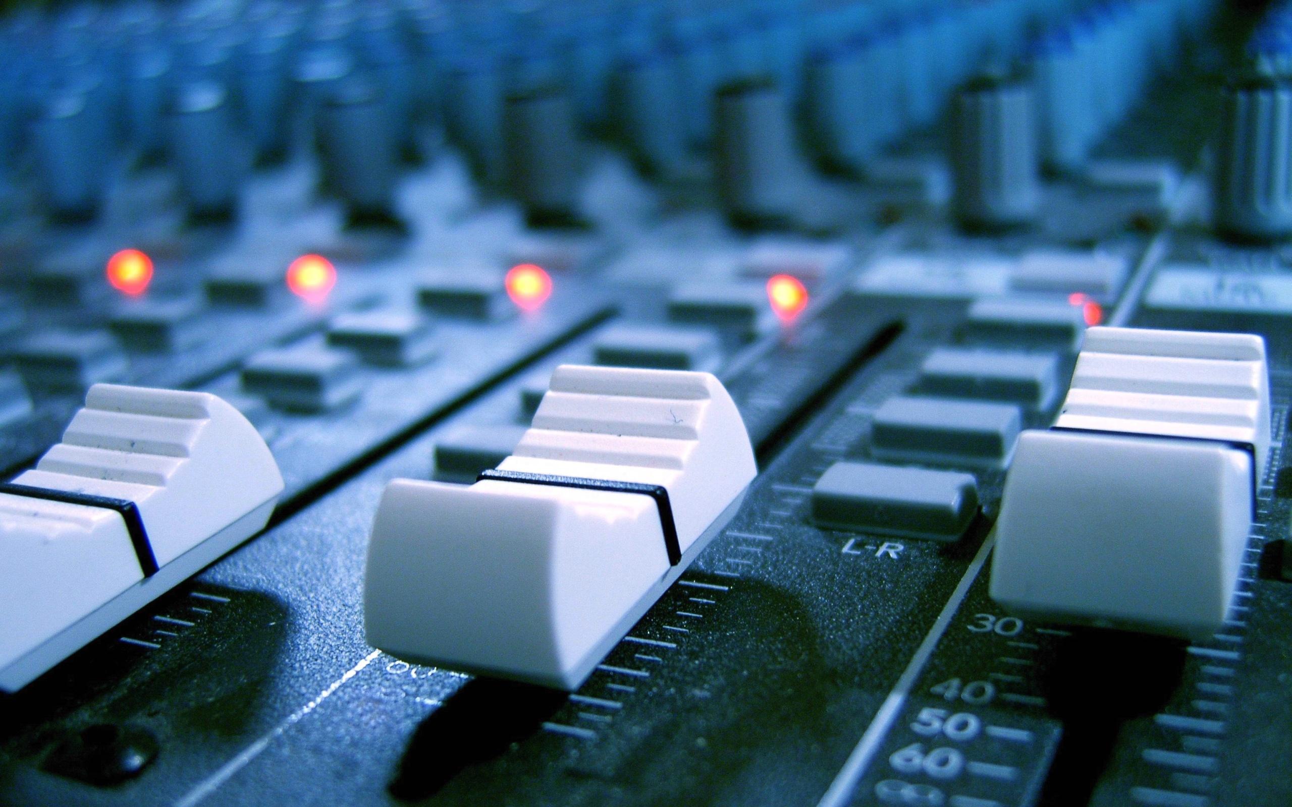 TreyHD Ltd Premier Instrumentals GFX Social Media Services 2560x1600