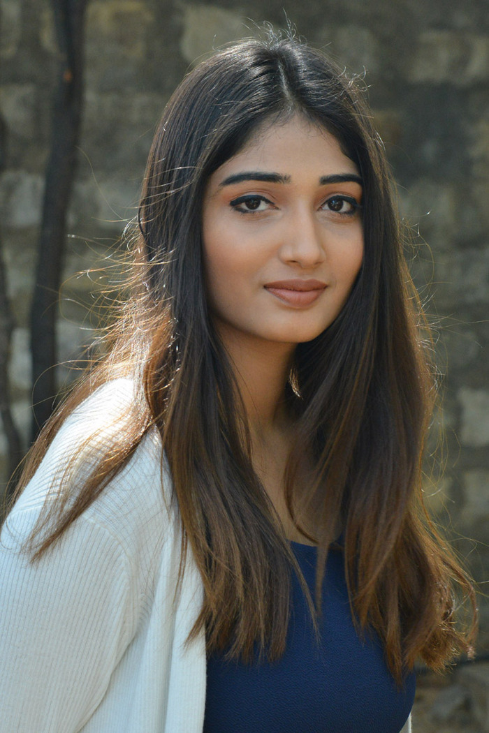 Images for Priya Vadlamani Latest Photos gallery   All Heroine 700x1050