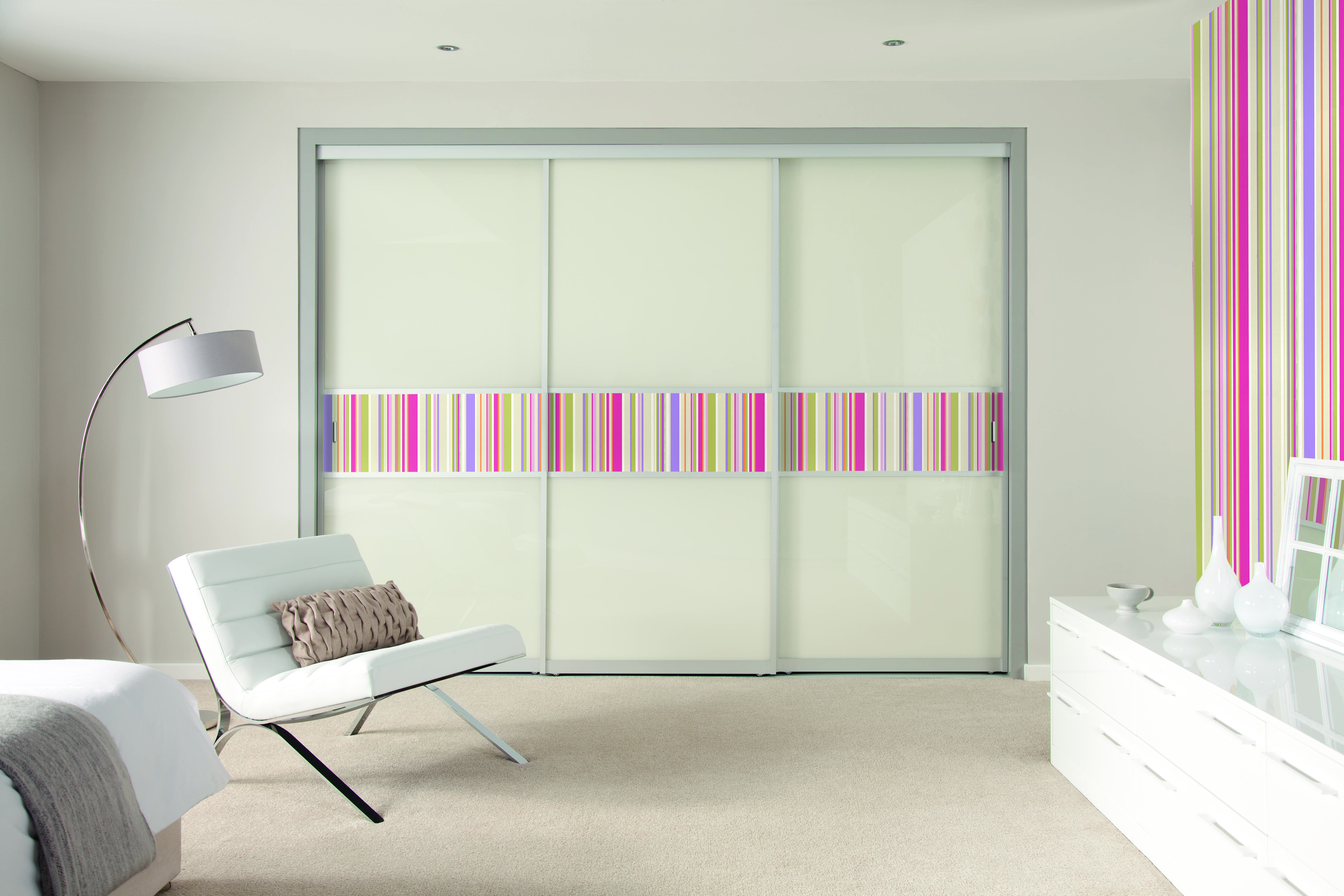 range you can add your exisitng wallpaper to the Highline doors 5616x3744