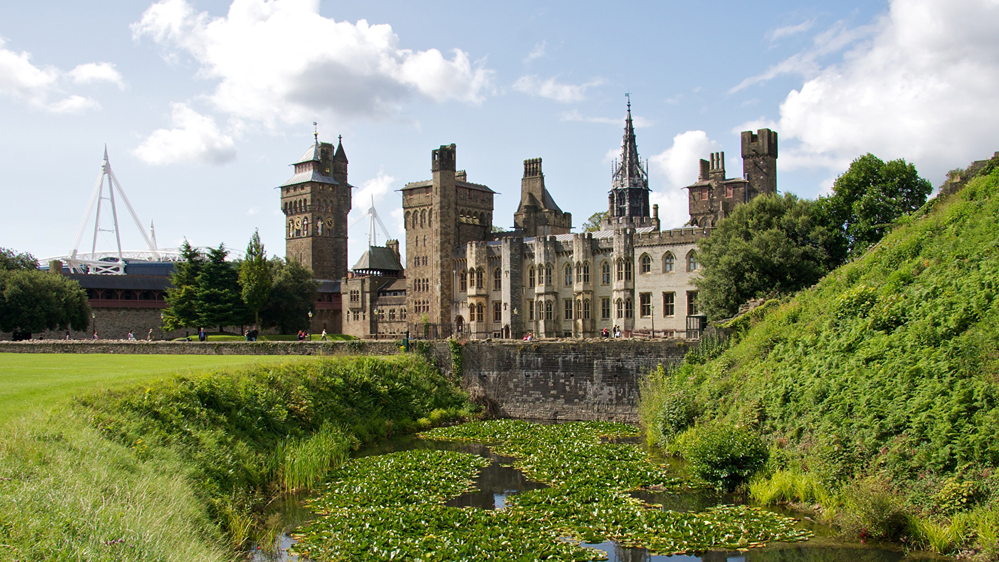 Images United Kingdom Cardiff Castle Castles Pond Cities 2048x1152 2048x1152