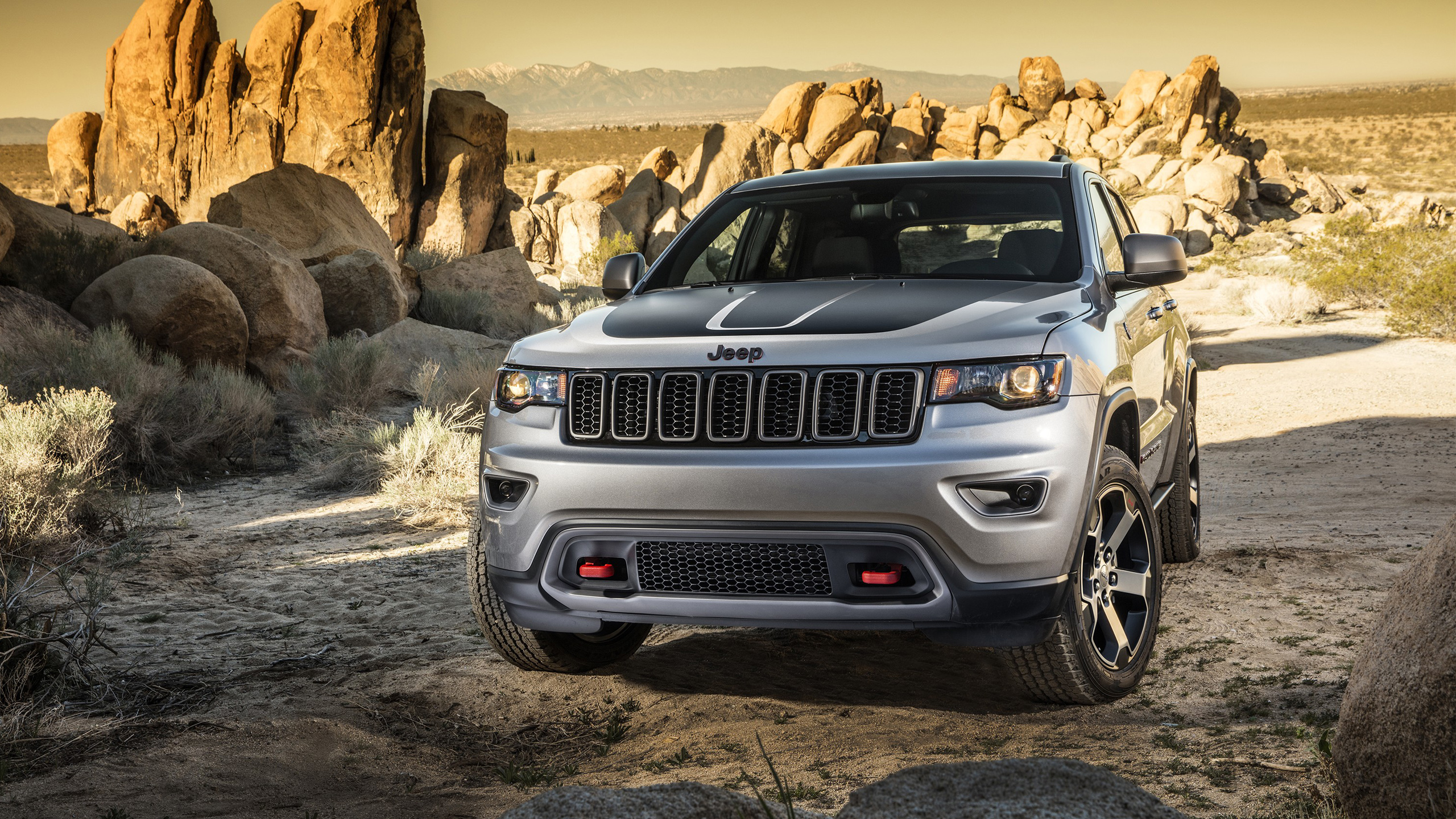 Jeep Grand Cherokee Wallpapers and Background Images   stmednet 2560x1440