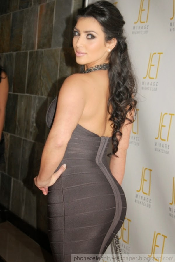 Kim Kardashian Amazing Dress 600x900