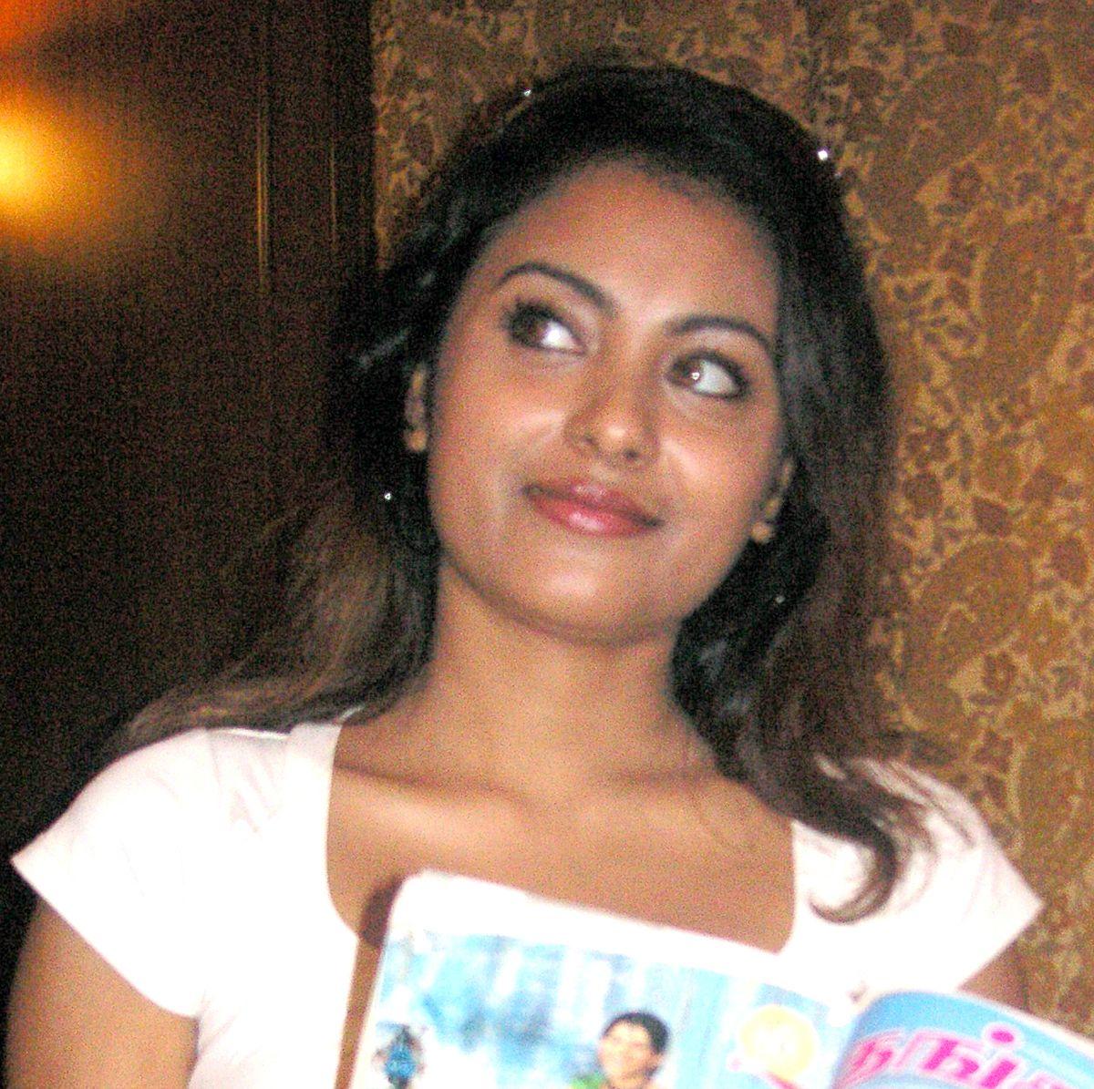 Meenakshi wallpapers Women HQ Meenakshi pictures 4K Wallpapers 1200x1195