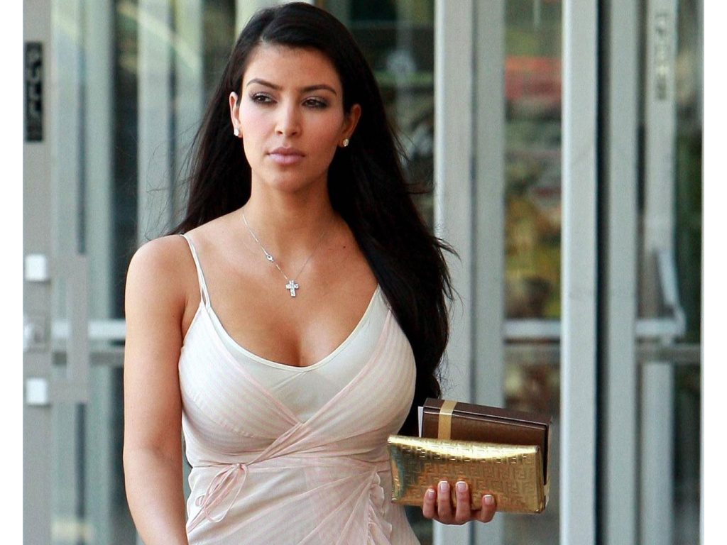kim kardashian HD wallpapers 1080p Download Wallpaper 1024x768