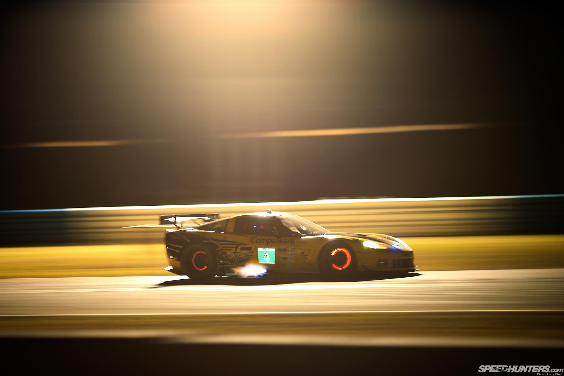 Corvette C6R Race Car Glowing Brakes Backfire Flame Night racing 1920x1280