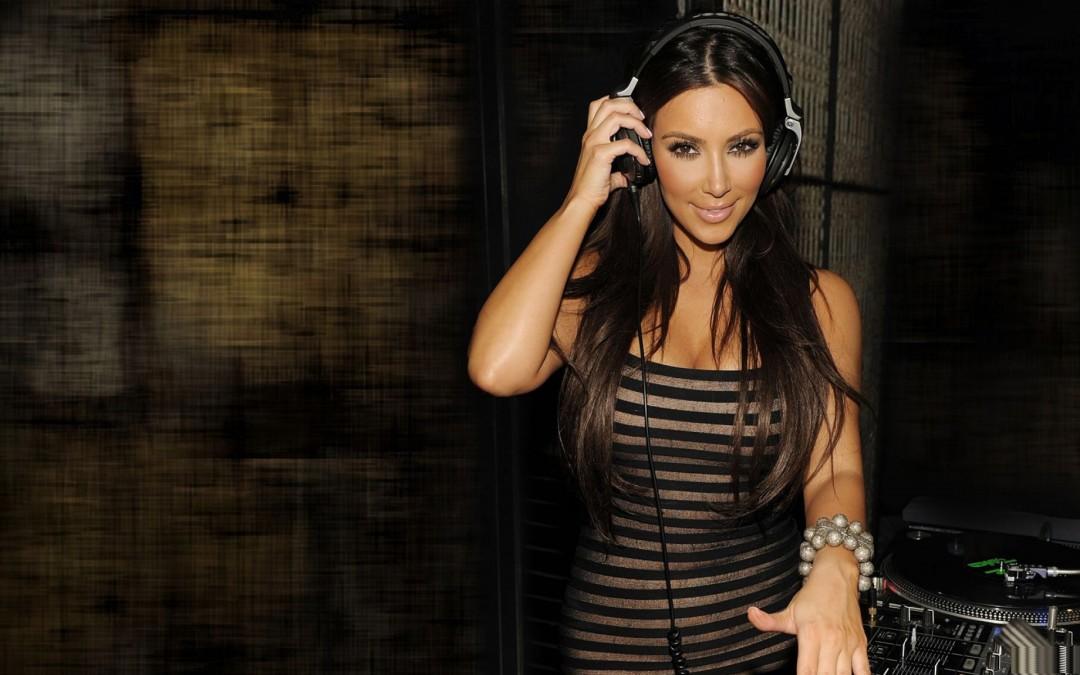 Kim Kardashian Hot 2013 HD Wallpaper 1080x675 Kim Kardashian Hot 2013 1080x675