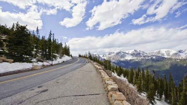 Mountains Road in Rocky Mountain National Park HD Wallpaper 600x338