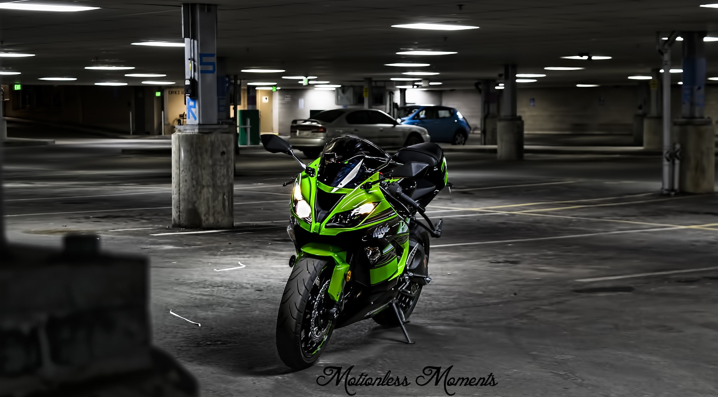 Green and black sports bike JDM zx6r motorcycle Kawasaki HD 2500x1384