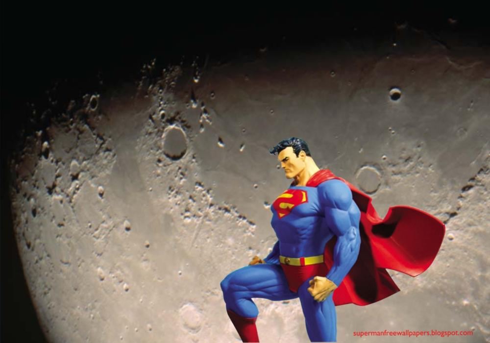 Desktop Wallpaper of Superman Statue in Moon Light Desktop wallpaper 1000x700