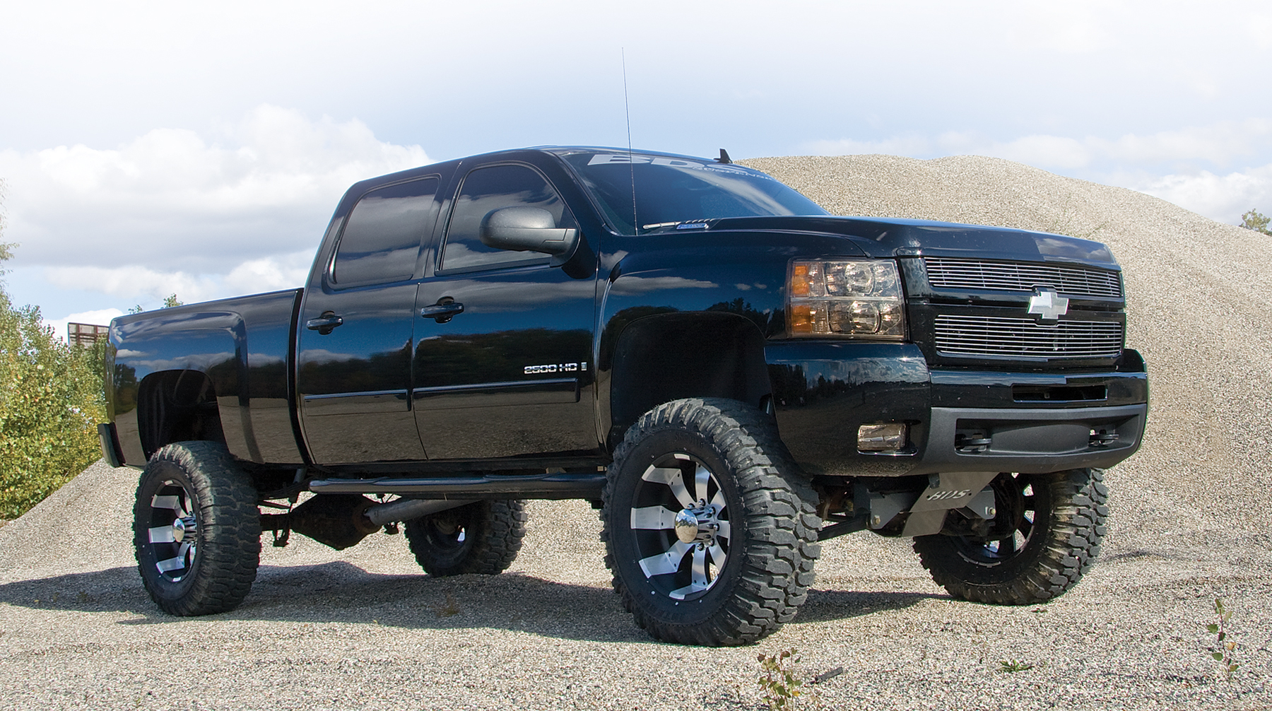 Displaying 20 Images For   Nice Lifted Chevy Trucks 1800x1006