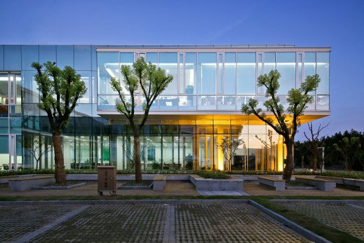 Jinqiao 21 Office Space Cube Design Lab ArchDaily 530x353