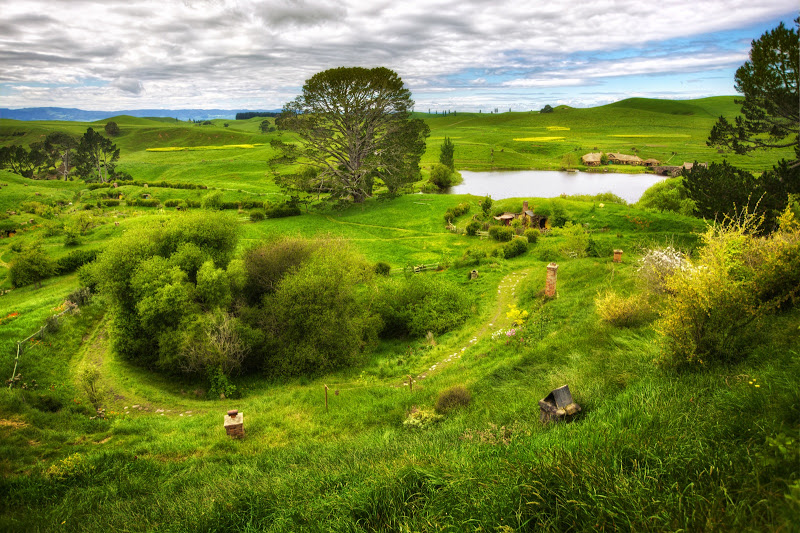 The Shire Wallpaper Hobbiton viewjpg 800x533