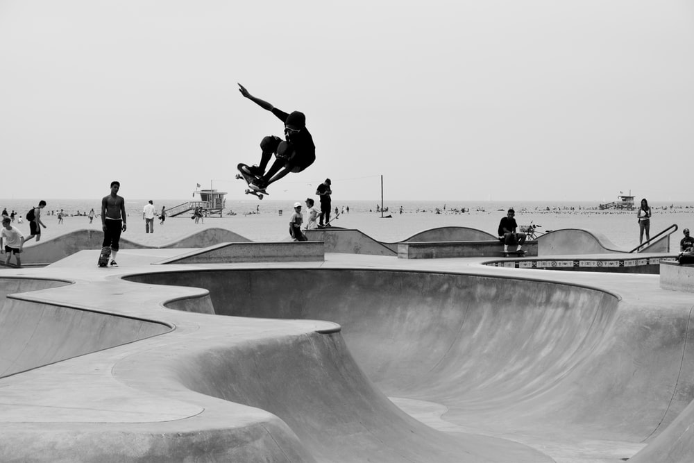 100 Skate Pictures Download Images on Unsplash 1000x667
