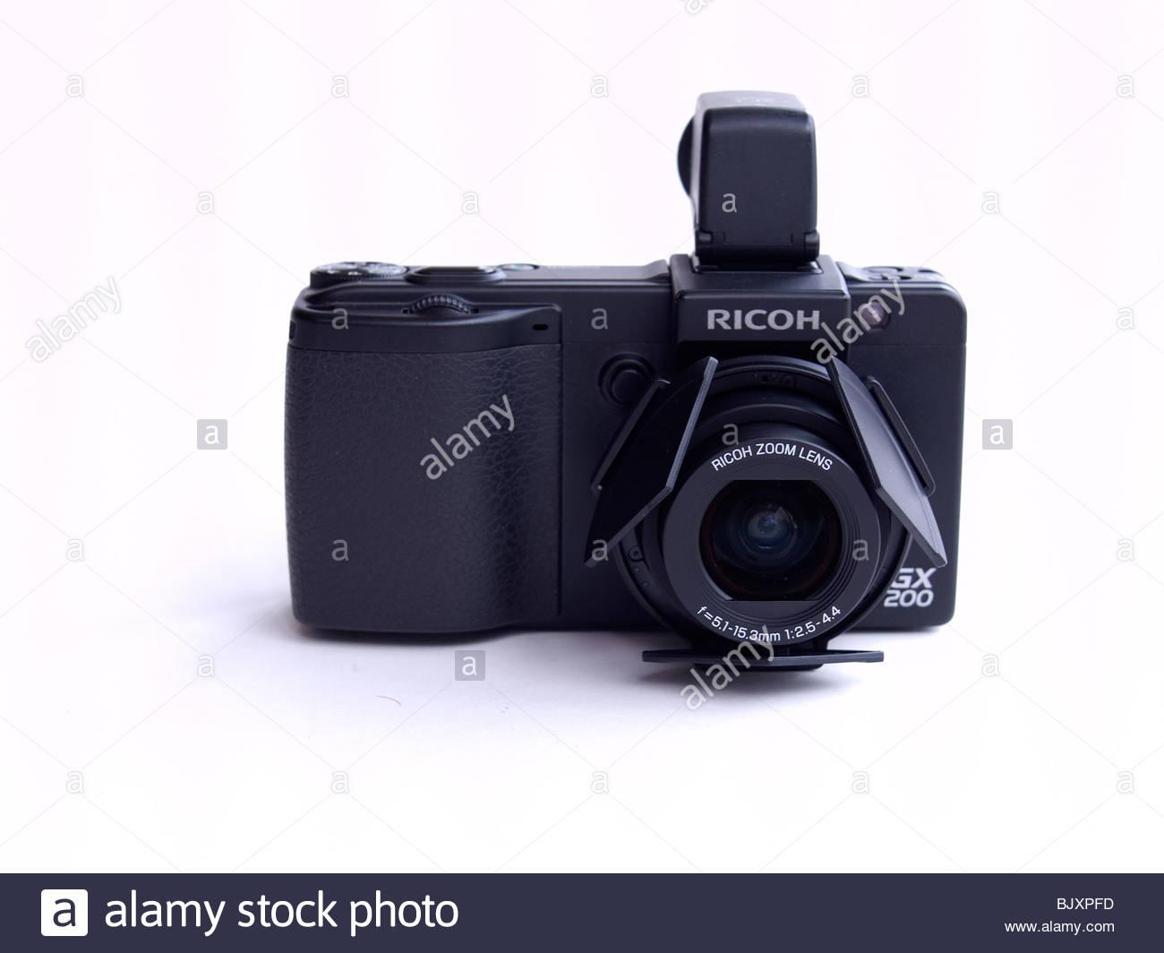 Ricoh Caplio GX200 professional quality compact digital camera on 1300x1064