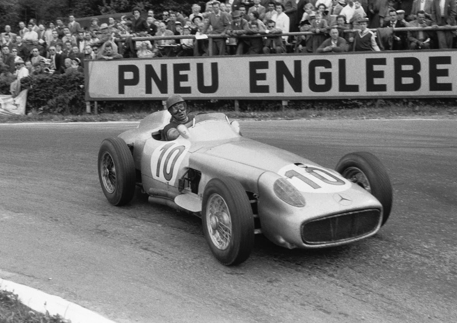 Juan Manuel Fangio wallpapers images quotes Ferrari Mercedes 1600x1131
