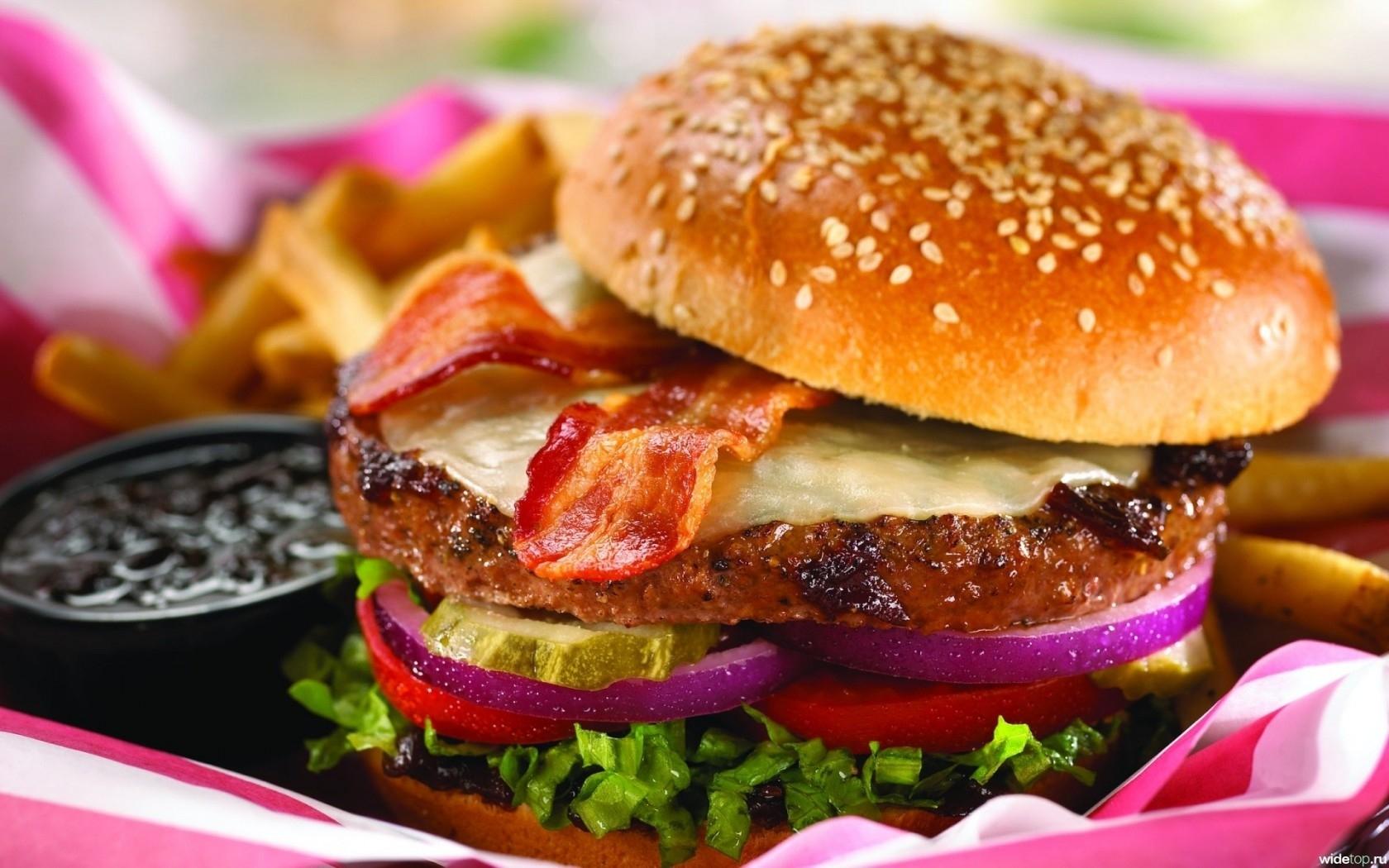 Burger Fast Food HD Wallpaper Yummy Burger Fast Food HD Wallpaper 1680x1050