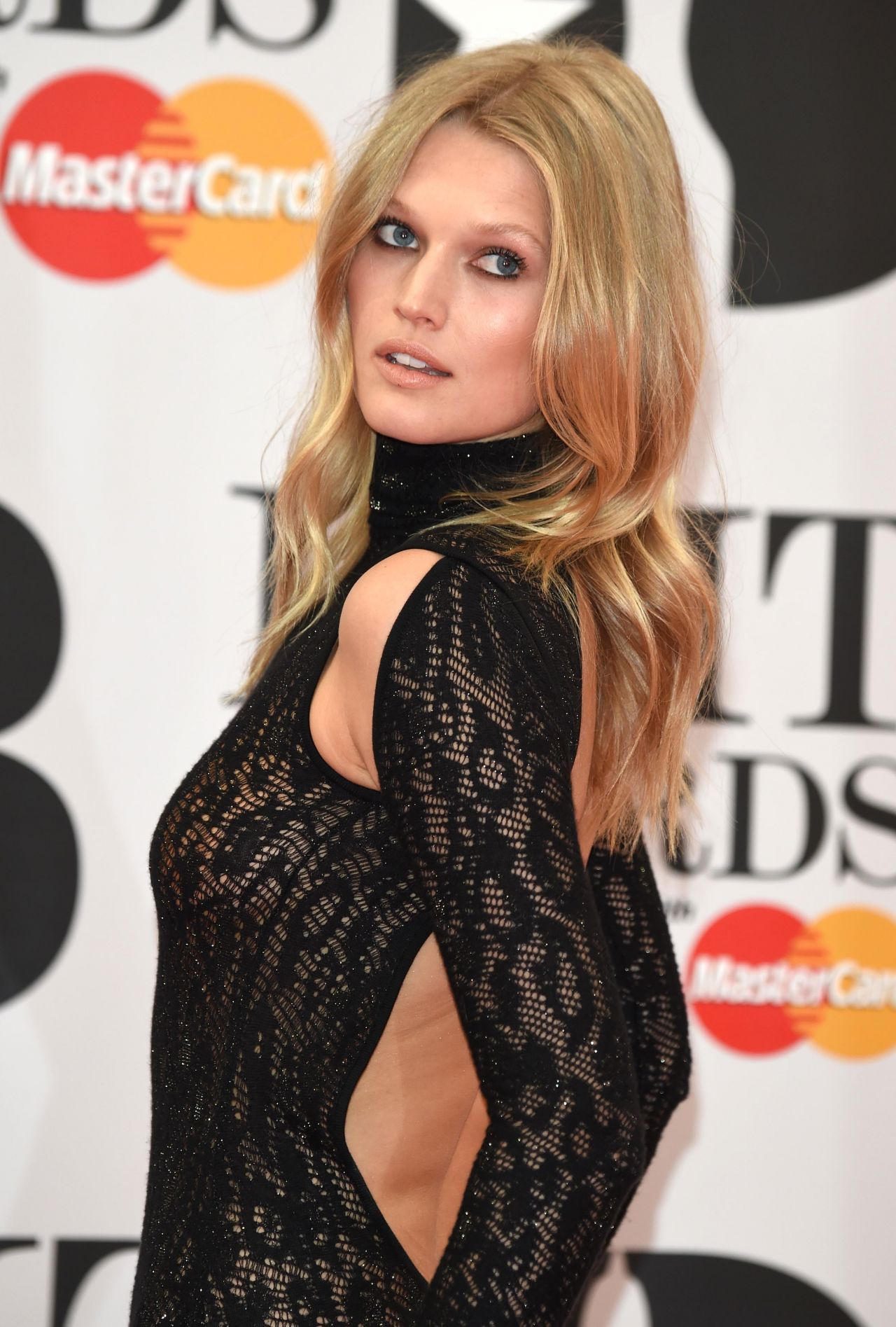 Toni Garrn photo 1103 of 1201 pics wallpaper   photo 1280x1895