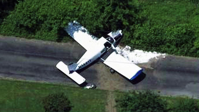 Piper Cherokee 140 Plane Crashes Near New Jersey Airport 654x368