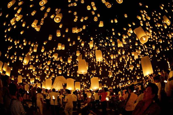 peng lantern festival in chiang mai where thousands of paper lanterns 608x405