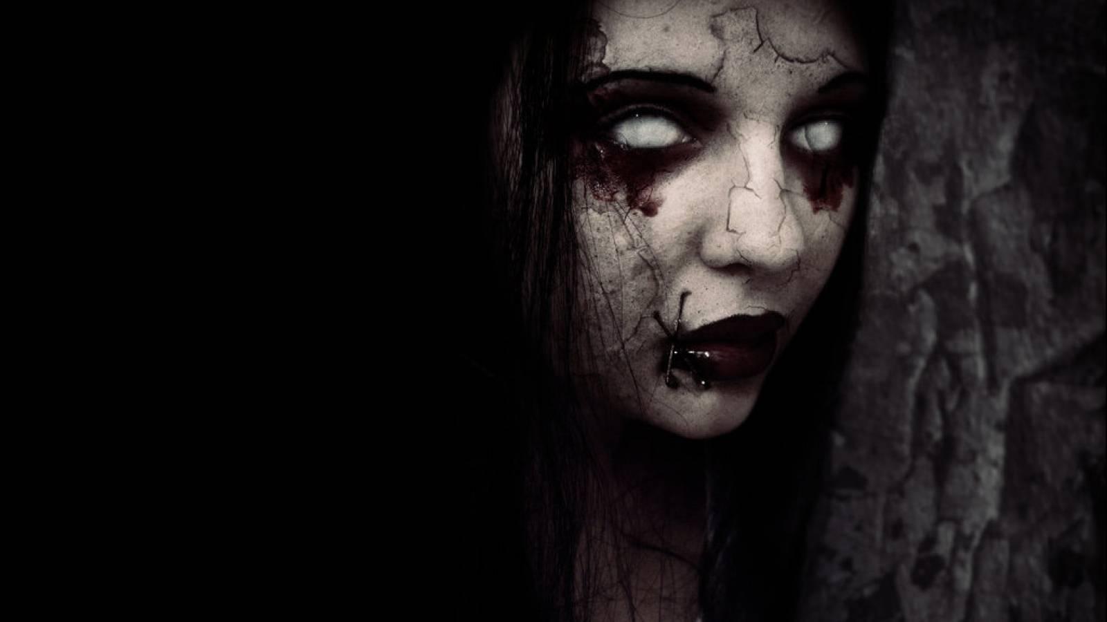 Creepy Wallpaper Wallpaper of an creepy girl 1600x900
