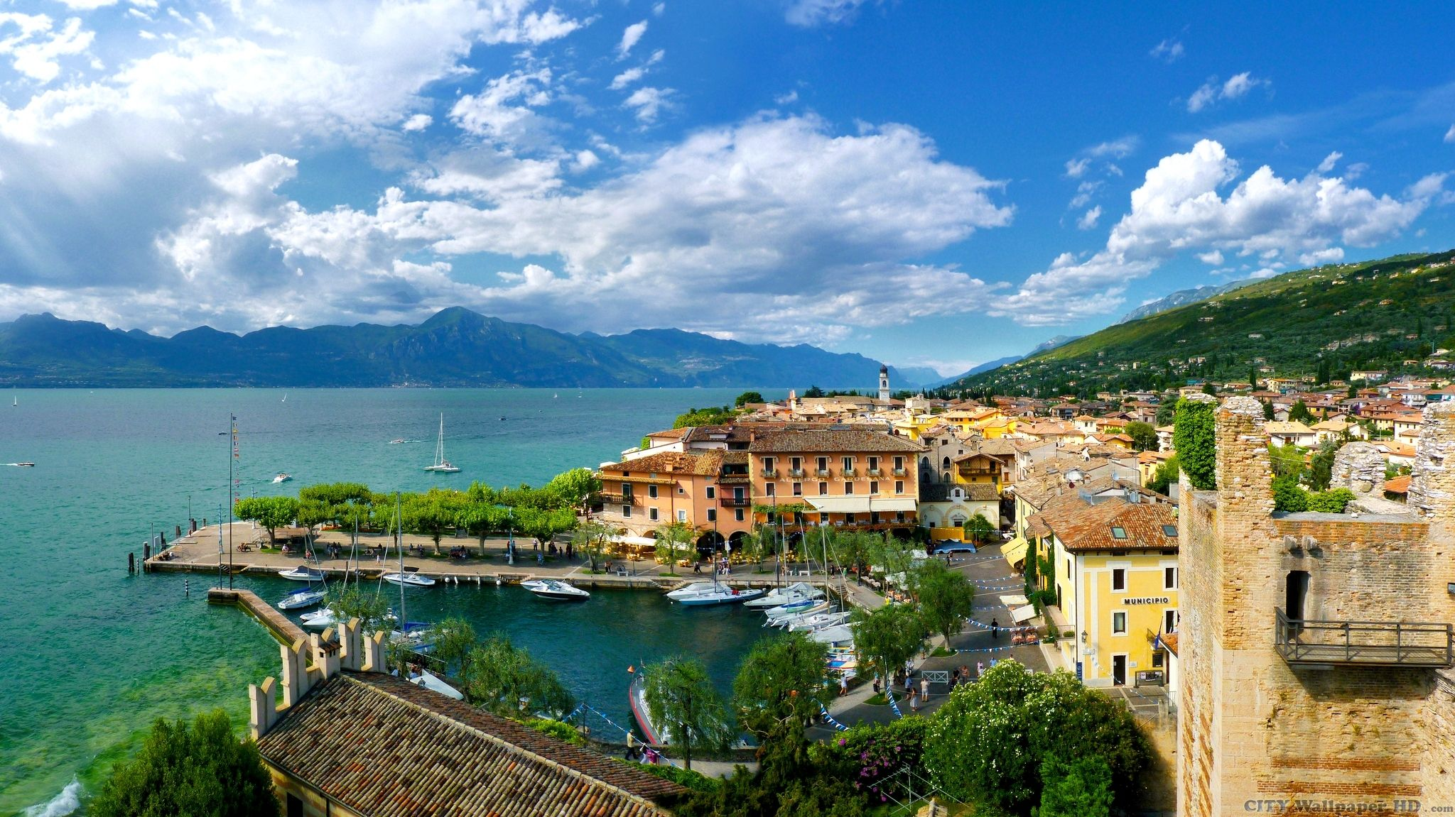 bright-sunny-wallpaper-torri-del-benaco.jpg