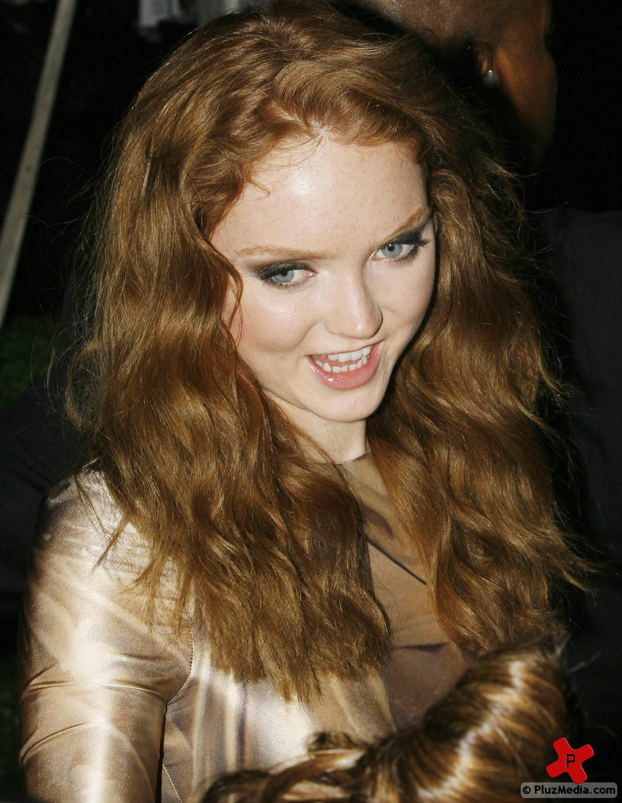 Lily Cole Wallpaper Images TheFemaleCelebrity 1991x2571