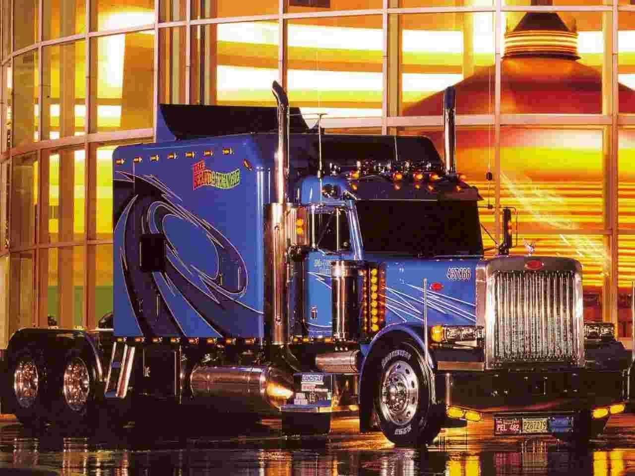 379 peterbilt trucks wallpaper peterbilt 379 wallpaper 16 10 peterbilt 1280x960