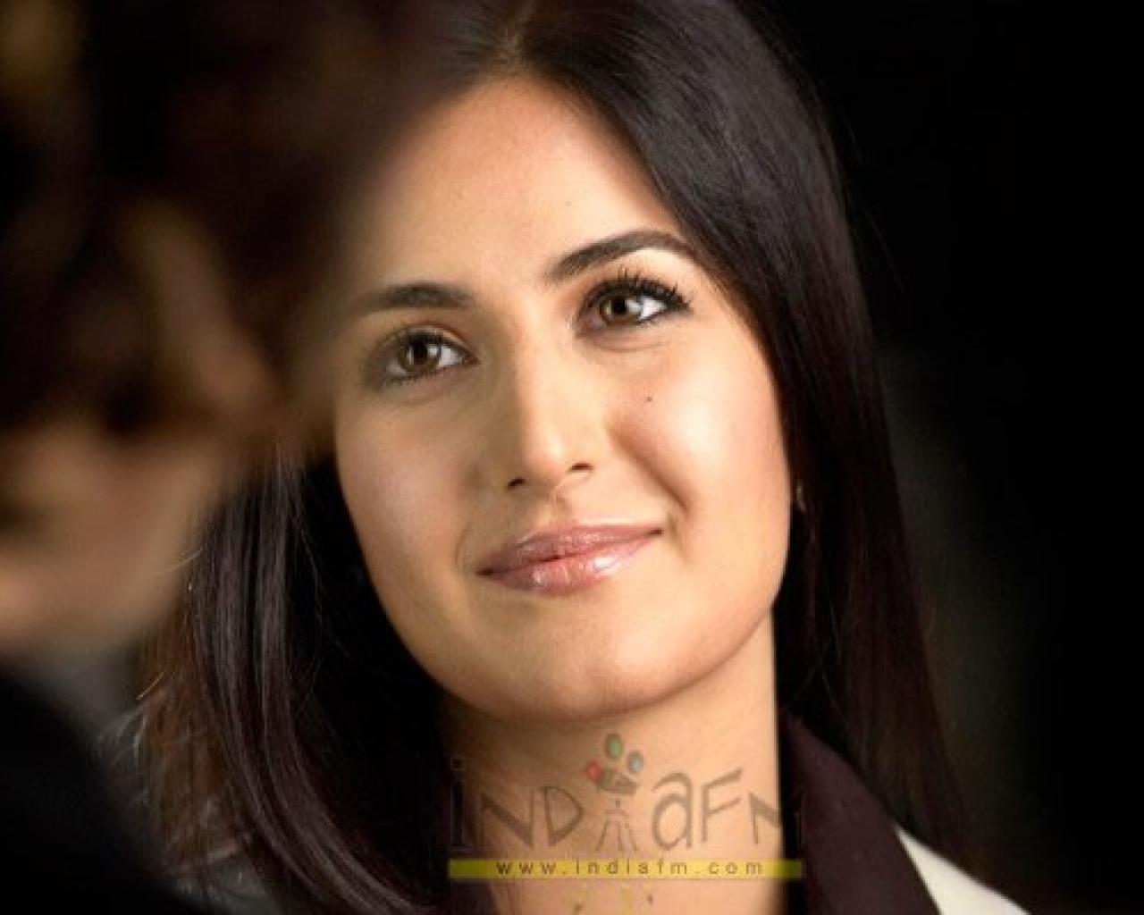 Indian Actress Actors Katrina Kaif Wallpapers Katrina Kaif Cute 1280x1024