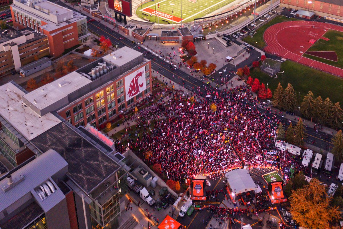 WSUs display for GameDay and against Oregon was a coming out 1200x800