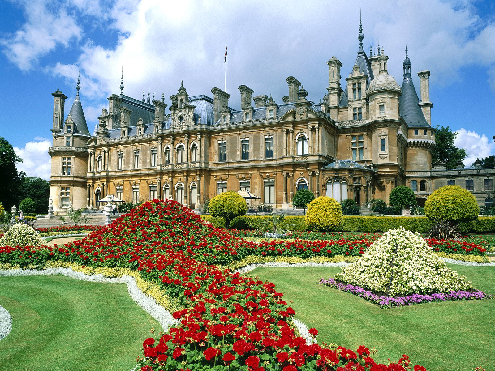 Waddesdon Manor England Wallpapers HD Wallpapers 1600x1200