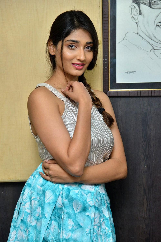 Actress Priya Vadlamani Latest Images Husharu Success Meet New 1000x1500