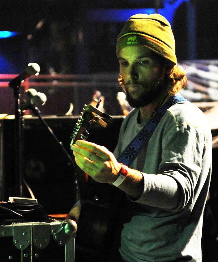 Mishka musician   Wikipedia 705x849