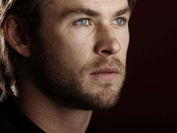 Chris Hemsworth Desktop Wallpapers for Widescreen 600x450