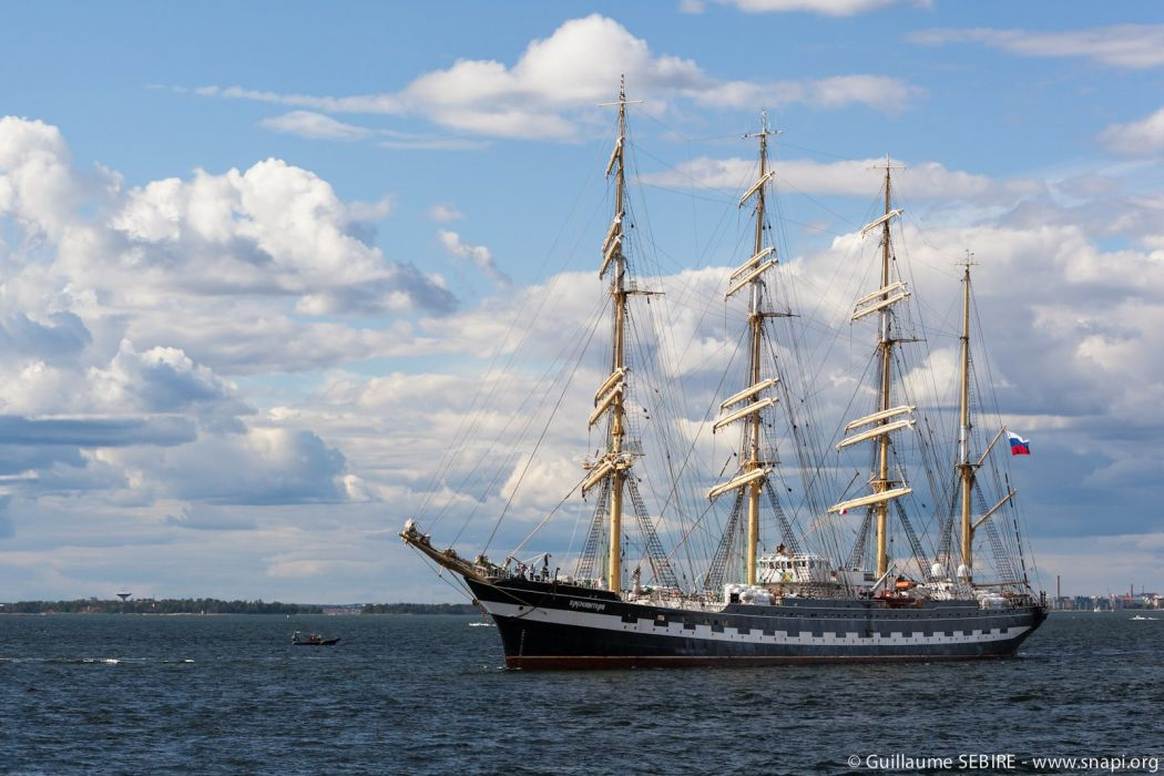 Sailing ship Traditional ocean sail armada wallpaper 1600x1067 1050x700