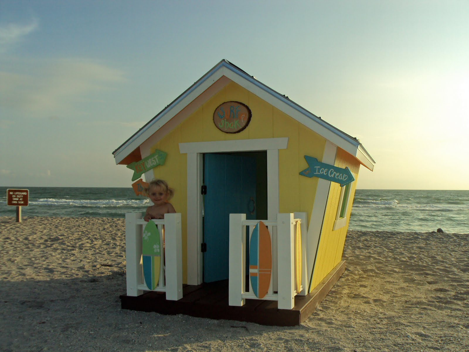 Tiny house wallpaper wallpapersafari for Small beach homes