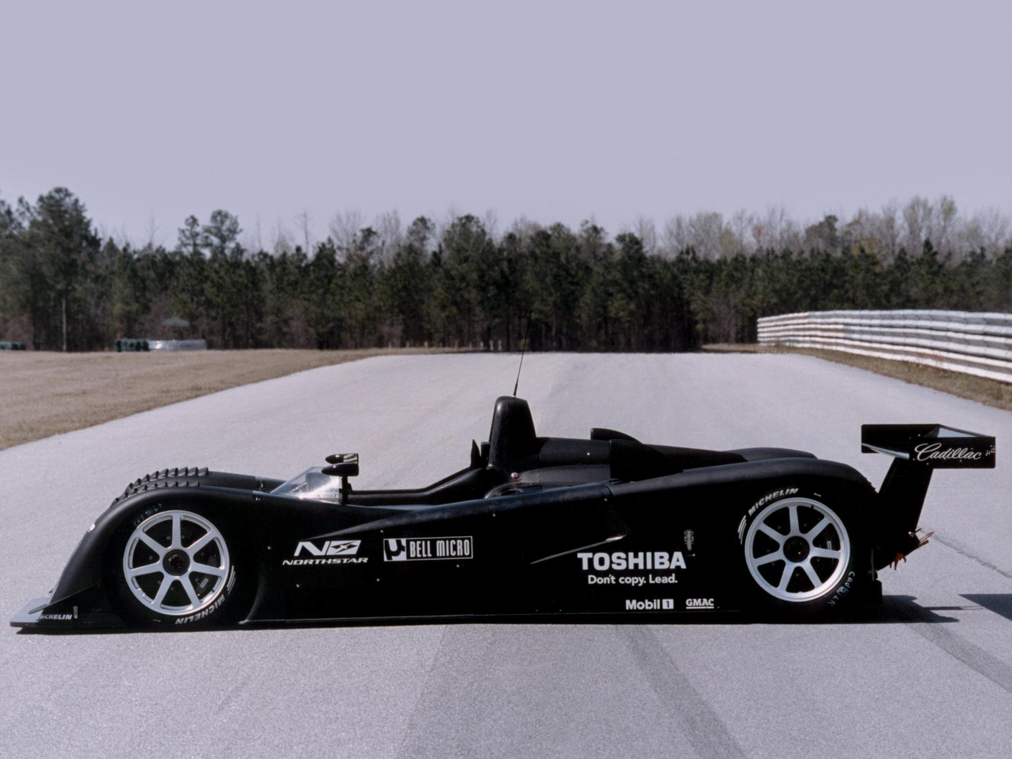 2001 Cadillac LMP 01 le mans race racing wallpaper 2048x1536 2048x1536