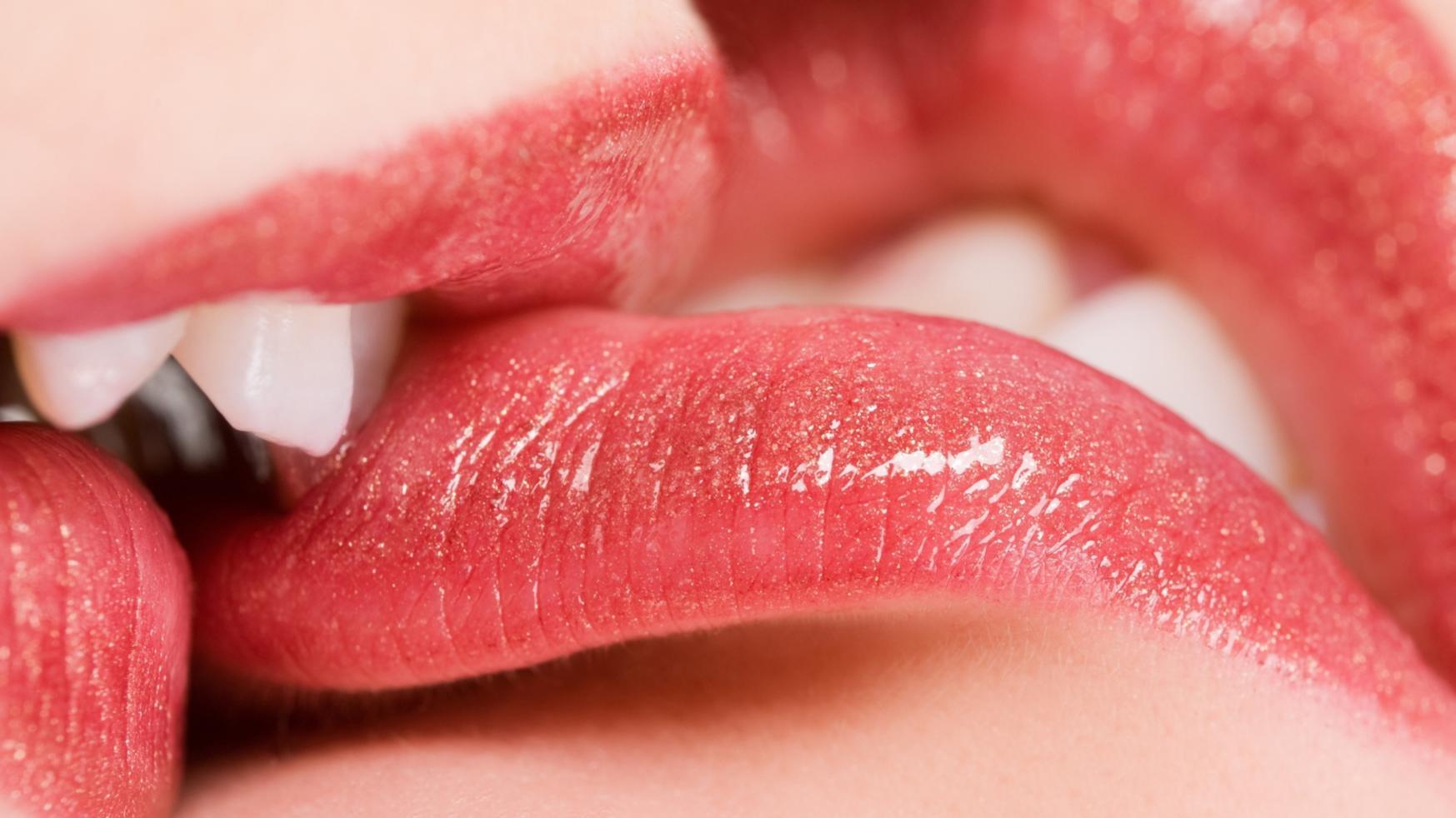 Best 37 Kissing Lips Backgrounds on HipWallpaper Wreck It Ralph 1747x982
