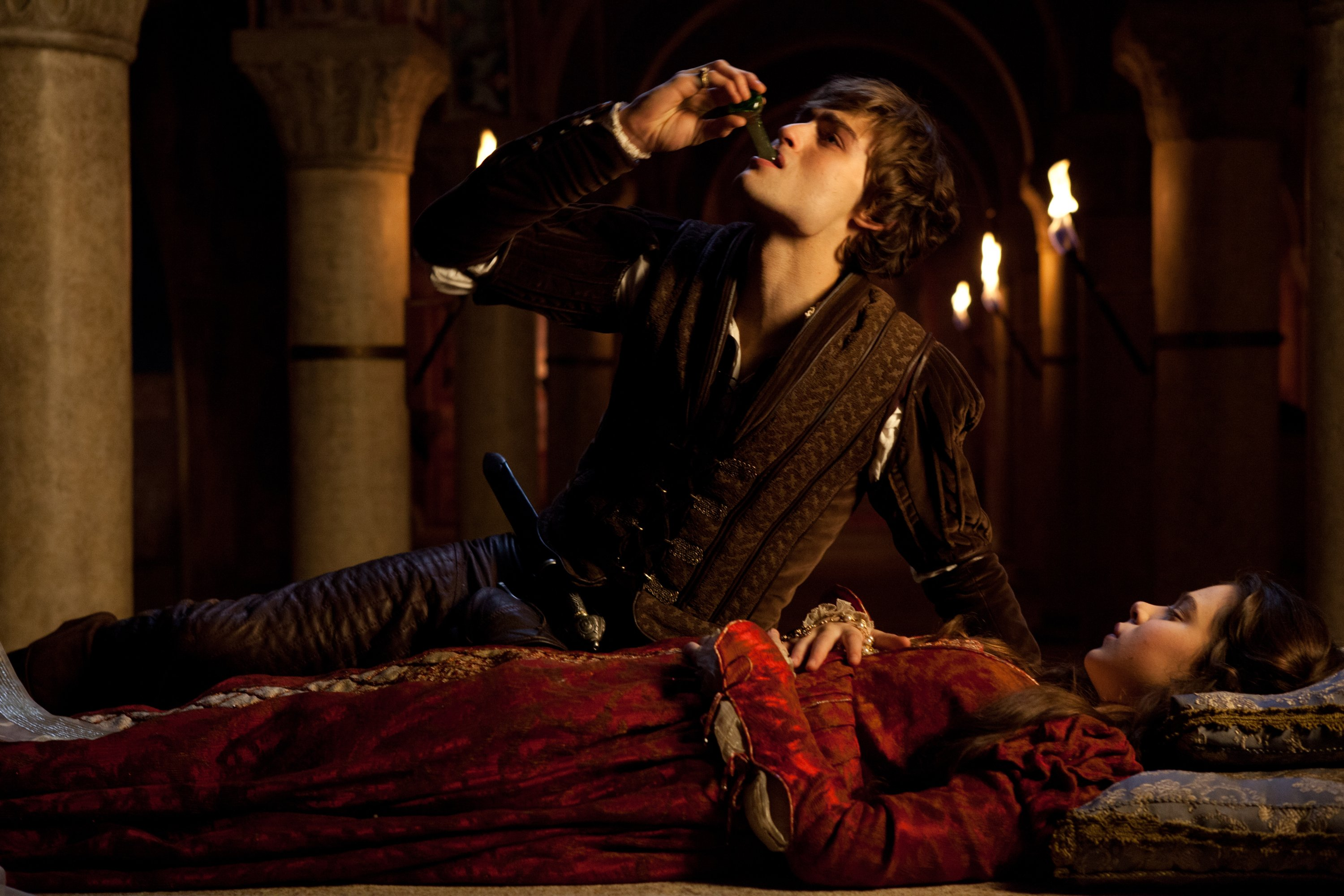 a discussion of new ending for romeo and juliet Romeo and juliet alternate ending beginning at act 5, scene 3, line 119 romeo romeo: here's to my love [drinks]oh, thieving apothecary have you even a heart that you should be so cruel.