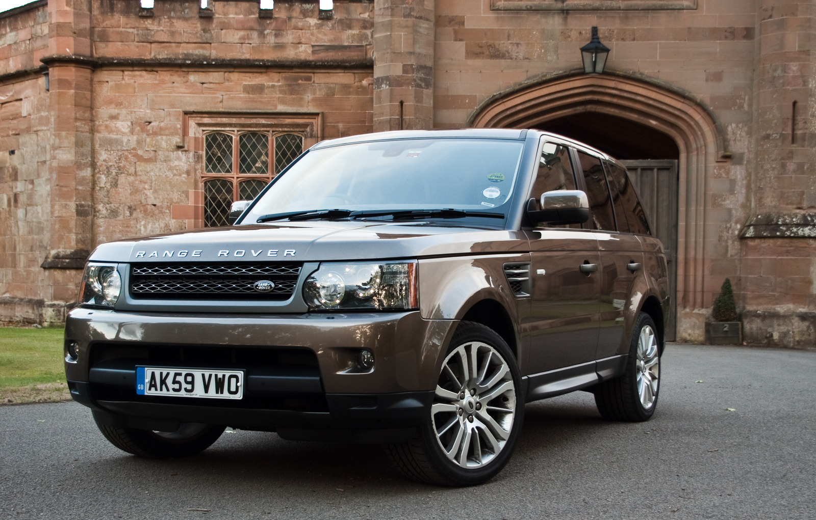 2010 range rover sport wallpaper wallpapersafari. Black Bedroom Furniture Sets. Home Design Ideas