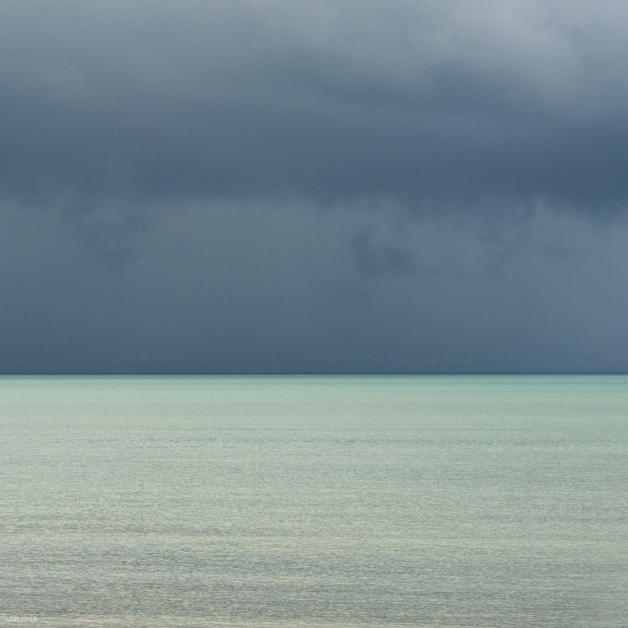 stormy ocean Desktop Wallpaper | iskin.co.uk